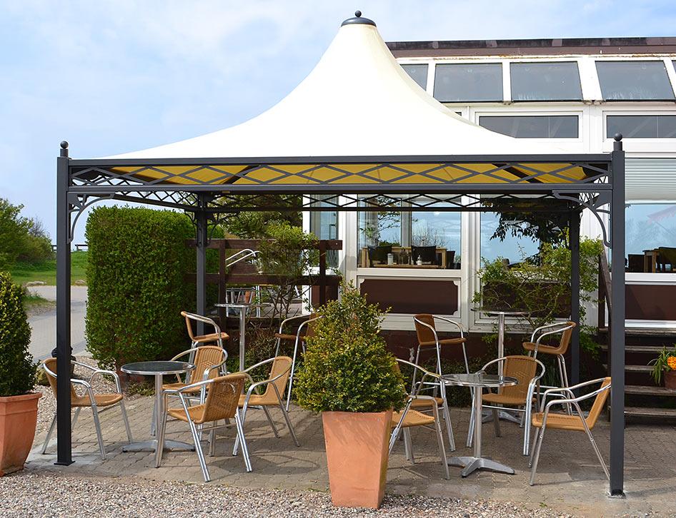 Pavillon wetterfest auf einer Terrasse